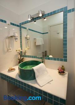Hotel Beau Rivage - Algajola - Bathroom