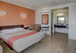 Motel 6 San Antonio-Sam Houston - San Antonio - Bedroom