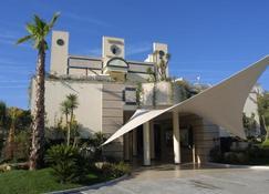 Nicotel Barletta - Barletta - Building