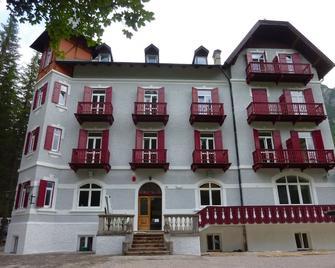 Hotel Croda Rossa - Dobbiaco/Toblach - Building