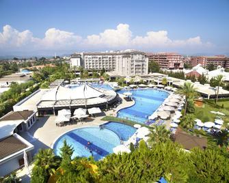 Sunis Elita Beach Resort Hotel & Spa - Kizilagaç - Piscina