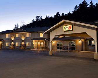 Super 8 by Wyndham Custer/Crazy Horse Area - Custer - Gebouw