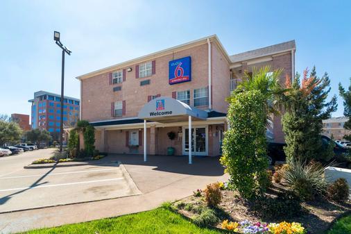 Studio 6 Dallas-Plano Medical Center - Plano - Gebäude