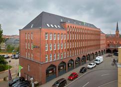 H+ Hotel Lübeck - Lübeck - Gebäude