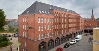 H+ Hotel Lübeck - Lübeck - Edifício
