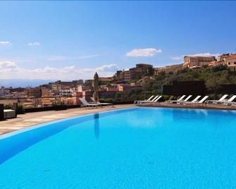 Eolian Milazzo Hotel - Milazzo - Pool