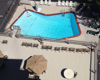Pepper Tree Inn - Tahoe City - Pool