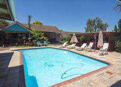 Matt's Rest B&B And Self Catering - Pietermaritzburg - Pool