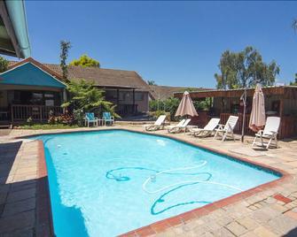 Matt's Rest B&B And Self Catering - Pietermaritzburg - Pool