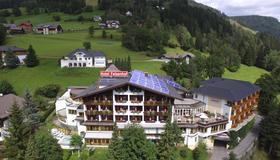 Wohlfühl & Genusshotel Felsenhof - Bad Kleinkirchheim - Building