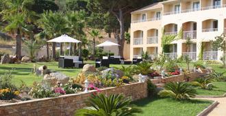 Hotel Corsica - คาลวี