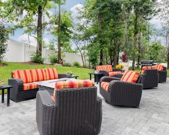 Holiday Inn Express & Suites Alachua - Gainesville Area - Alachua - Патіо