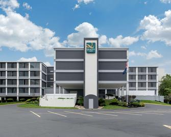 Quality Inn and Conference Center - Richmond - Gebouw