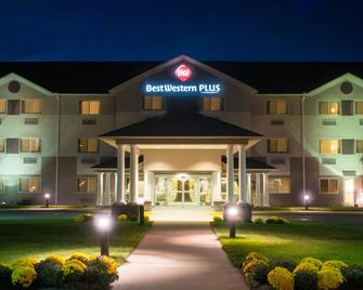 Best Western Plus Executive Court Inn & Conference Center - Manchester - Gebäude