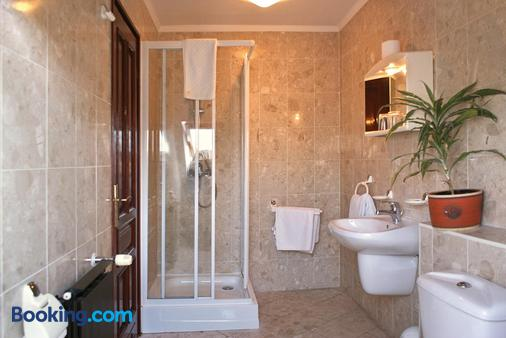 Korona Pension Restaurant - Hévíz - Bathroom