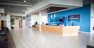 Travelodge Dublin Airport South - Dublin - Front desk