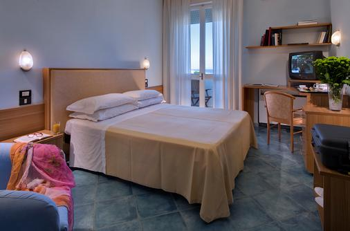 Alexandra Plaza - Riccione - Bedroom