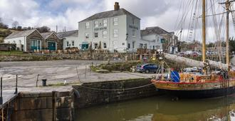 Pier House - St. Austell - Outdoors view