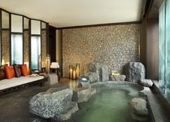 Hotel Indigo Lijiang Ancient Town - Lijiang - Living room