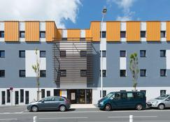 Première Classe La Rochelle Centre - Les Minimes - La Rochelle - Building