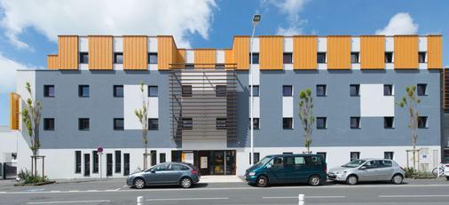 Première Classe La Rochelle Centre - Les Minimes - La Rochelle - Toà nhà