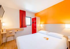 Première Classe La Rochelle Centre - Les Minimes - La Rochelle - Phòng ngủ