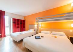 Première Classe La Rochelle Centre - Les Minimes - La Rochelle - Bedroom