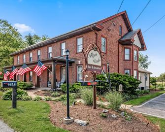 After Eight Bed & Breakfast - Gordonville - Building