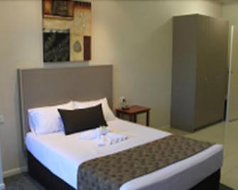 Emerald Executive Apartments - Emerald - Bedroom