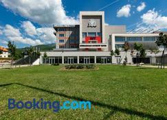 Hotel Iut - Travnik - Edifício
