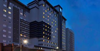 ibis budget Curitiba Centro - Curitiba - Edificio