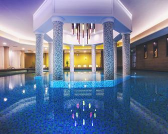 Caramell Premium Resort Superior - Buk - Bazén