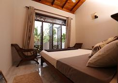 Summer Valley Boutique Villa - Unawatuna - Makuuhuone