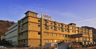 Cambay Resort Udaipur - אודאיפור