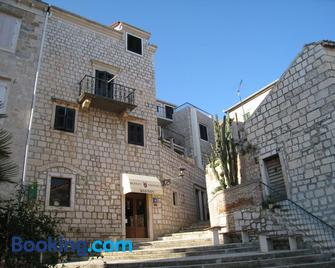 Bed & Breakfast Dionis Vis - Vis - Building