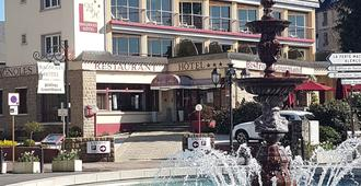 Bagnoles Hotel - Contact Hotel - Bagnoles-de-l'Orne-Normandie - Building