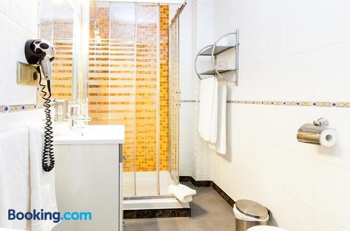 Apartamentos Abril - Nerja - Phòng tắm