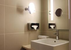 Best Western Hotel Opera Drouot - Paris - Bathroom