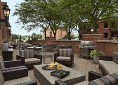 TownePlace Suites by Marriott Windsor - Windsor - Patio