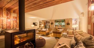Luz Charming Houses - Fátima - Phòng khách