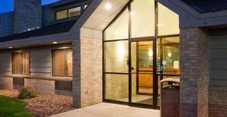 AmericInn by Wyndham Rice Lake - Rice Lake - Building