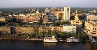 Embassy Suites by Hilton Savannah Airport - Savannah - Bygning