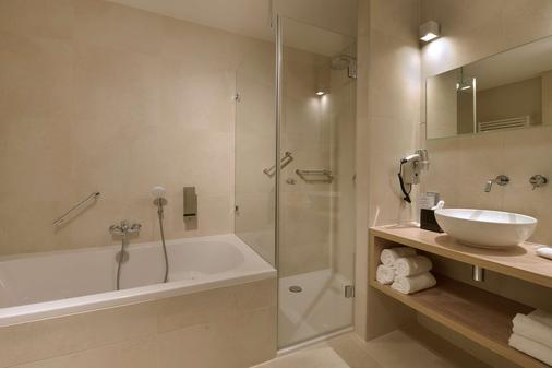 Van Der Valk Hotel Groningen Westerbroek - Hoogezand - Bathroom