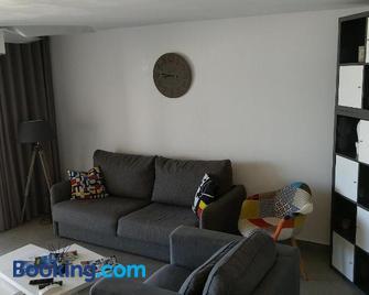 Friendly Beach House - Marigot - Living room