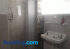 Sunflower Self-Catering - Walvis Bay - Bathroom