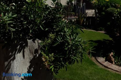 Sunflower Self-Catering - Walvis Bay - Outdoors view