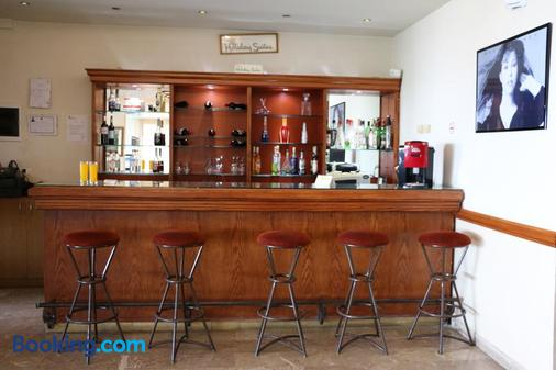 Holiday Suites Hotel And Beach - Jounieh - Bar