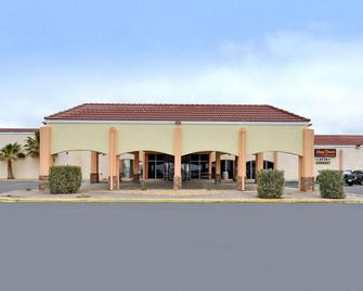 Quality Inn Pecos - Pecos - Building