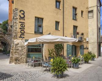 Hotel 3 Arcs - Sant Ferriol - Edificio