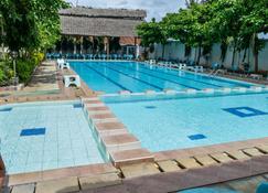Danpark Hotel and Apartments - Mtwapa - Piscina